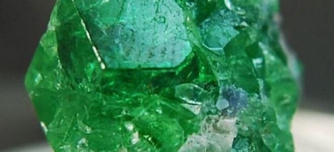Что за камень цаворит (тсаворит): магические свойства и кому подходит?