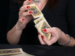 Accurate Gypsy Divination for Love: Methods and Techniques