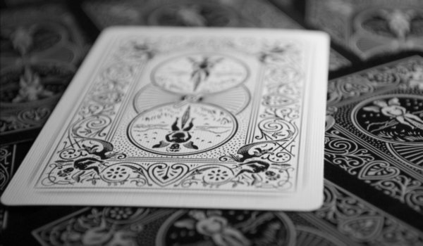 Guessing on the Gypsy cards, find out the near future