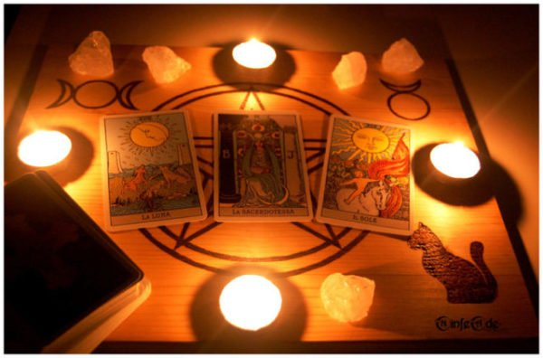 tarot_reading_by_ninfeade