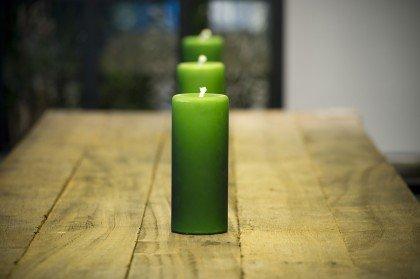 зеленые свечи в ряд
