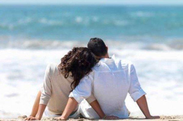 влюбленные у океана