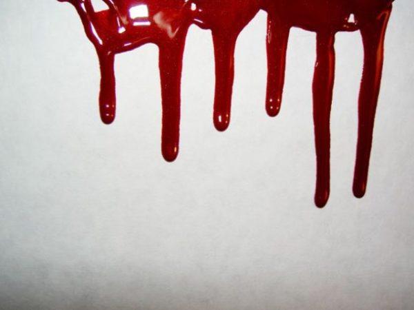 кровь на стекле