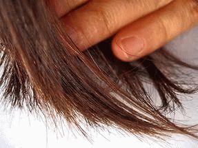 рука и волосы