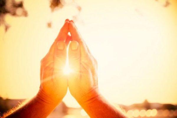 Молитва от порчи и сглаза тихону