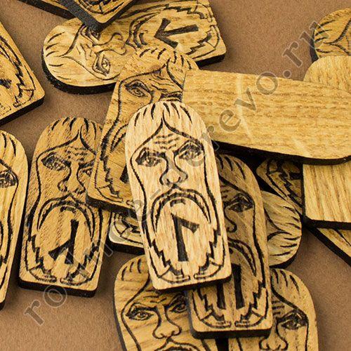 вырезанные руны из дерева