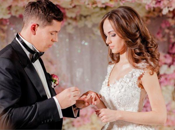 снится свадьба сонник Хассе