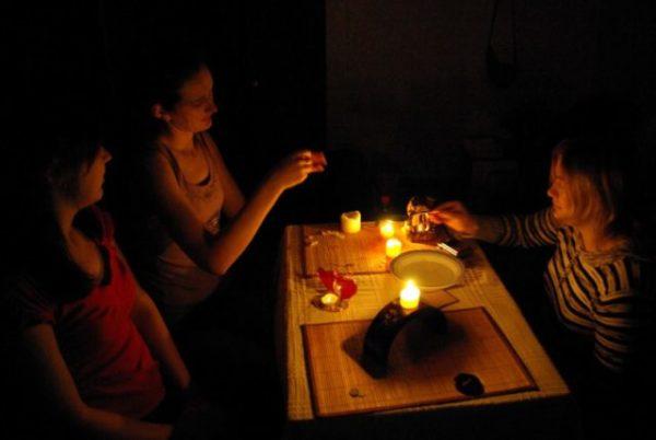 гадание на воске ночью
