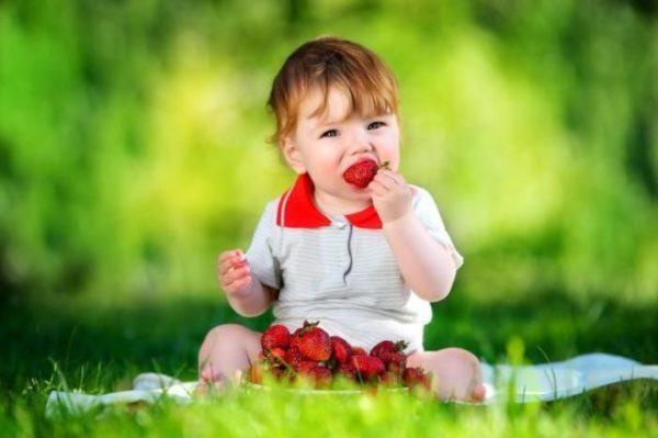 кушать клубнику