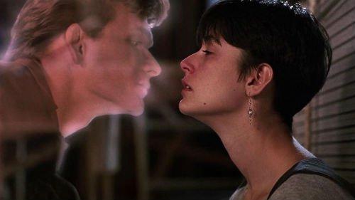 целовать приснившегося родственника